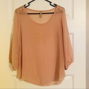 Tops - SOLD Flowy blouse